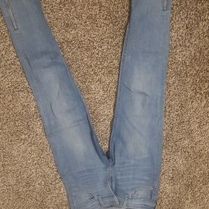 crop jeans. zipper at ankle. great condition